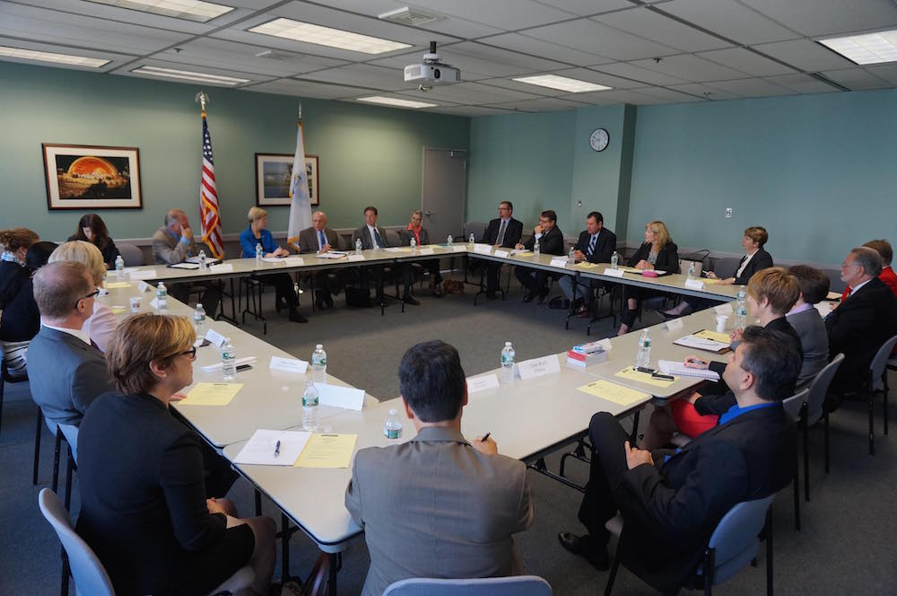 PHOTO: Senator Elizabeth Warren holds roundtable discussion with FDA Acting Commissioner Dr. Stephen Ostroff, FDA and HHS officials, and members of MassMEDIC.