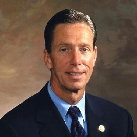 Photo of Representative Stephen Lynch